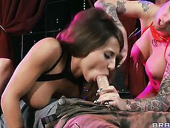 Madison Ivy  Christy Mack with juicy melons sucks Johnny Sinss snake with passion