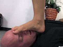 Hot mistress skylar foot domination
