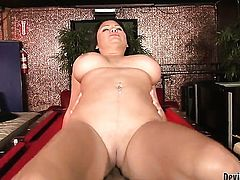 Sophia Lomeli just loves to suck and cant say No to hot dude