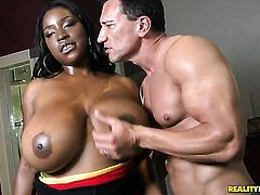African Melissa Reed tries her hardest to make hot dude Marco Banderas bust a nut with her mouth