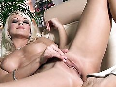 Jana Cova enjoys another masturbation session