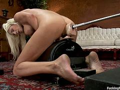 Smoking hot and super kinky babe Puma Swede is in the fucking machine delights. She pushes the start button and the orgasmic feelings start filling her in
