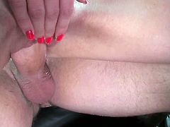Amateur blonde Victoria Puppy is sucking a nice dick