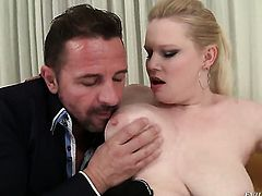 David Perry loves always wet warm fuck hole of Veronika F
