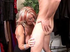 That mature bitch in black stockings looks so sexy while she sucks that dudes cock and makes it ready for wild and deep fucking before facial finish.
