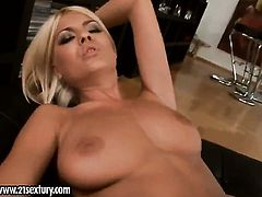 Blonde Hannah Hunter with huge tits takes Jasmine Rouge s fingers in her slit