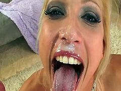 Mom Nikke Hunter is getting fucked in mouth