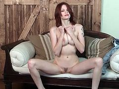 Redhead Bree Daniels finger fucks her hot box