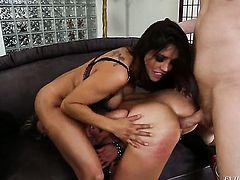 Mark Wood bangs unbelievably sexy Bailey Blues beautiful face with his meat stick after anal sex