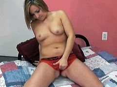 Full bodied girl Yanna strips and fingers her pussy in kinky solo masturbation sex scene