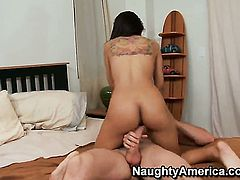Chica Yurizan Beltran with huge knockers and trimmed bush takes Jordan Ashs tool up her love tunnel