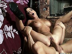 Johnny Sins enjoys enchanting Jessica Jaymess wet hole in sex action
