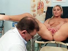 Blonde Vanessa Hell shows off her cramped cunt while enjoying naughty gyno exam