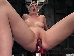 This juicy and desirable blond babe Fayth Deluca gets naked for a fucking machine. It is going to penetrate her twat on a high speed and power!