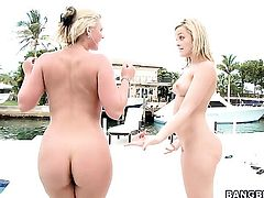 Phoenix Marie loses control in lesbian frenzy with Alexis Texas