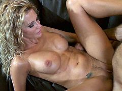 This couple knows how to spend a quality night, hardcore sex is the best thing. Beautiful cougar Jessica knows how to please her man.