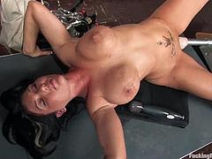 This teacher is so fucking naughty and crazy. She easily cancels the class and turns that fucking machine on. Her pussy is getting drilled so hard.