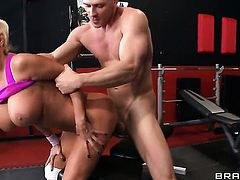 Johnny Sins shows nice sex tricks to Nikita Von James with the help of his rock hard worm