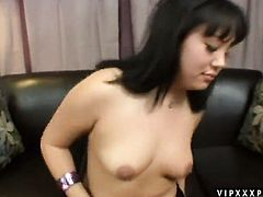 Teen Tina Lee gives herself some pussy hole stimulation with the help of her fingers