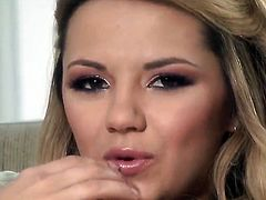 Ashlynn Brooke gets satisfaction using nothing but her fingers
