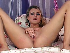 Natalia Starr fucking herself like mad in solo scene