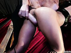 Lana Violet gets her fuck hole poked by Danny D