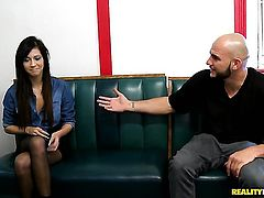 Blonde gets her throat pumped full of pole in oral action with horny fellow
