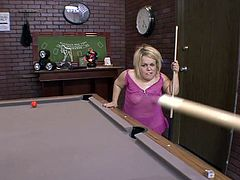 He is tall and muscled and she is a blonde midget that loves to open her mouth wide for cock. Seth and Stella had a little game of snooker but Stelle was drooling for his dick all that time. They've then went home where Stelle finally receive what she craved for and sucked him standing up on her feet.
