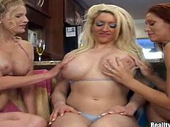 Enjoy this three cougars fingering each other's wet holes after tanning next to a swimming pool. Don't forget to watch how they play with strapons!