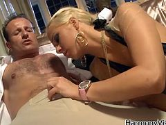 Have fun jerking off to Carla Cox is this hardcore scene where this slutty blonde has her asshole drilled by this guy's thick cock.