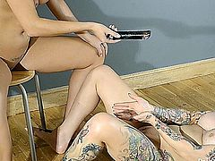 Paige turnah and her friend gets dirty with some wax