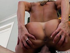 Tyler Nixon is ready to make flirty Brandi Loves every sex dream a reality
