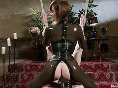 Kinky chick ties up and blindfolds Zak Tyler. Then she whips his ass and tortures a dick. Later on she gives him a footjob and drills the ass with a strap-on.