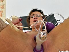 Amelie acts like a pro when she has patients but when she's alone, she turns into a whore. Here she is in one of her breaks, relaxing and making every free moment worth it. The nurse forgets about her ethics and takes a sit on the gynecologist chair. She then fingers her pussy and after that she uses her sex toys