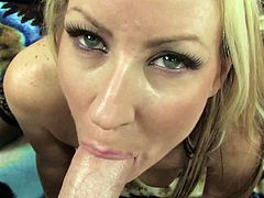 Blonde pornstar Carolyn Reese suck like a pro