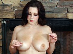 Sensual Noelle Easton feels amazing while fingering her puffy twat in lovely solo