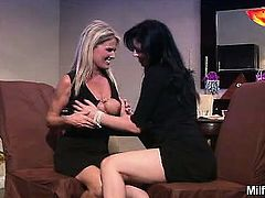 Anastasia Pierce and Bridgett Lee are lipstick lesbian MILF
