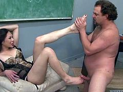 Slutty tranny gives a blowjob to the professor in a classroom. Then Amanda takes a dress off and gets ass fucked.