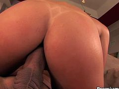 Stunning brunette babe Penny Flame rides dick with her nice shaved pussy,Watch how this horny guy fucked her juicy wet pussy with his huge hard cock. Don't miss it!