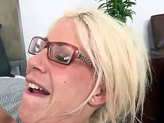 Milf id like to bang Shares Her Experience round A nymph in FFM movie