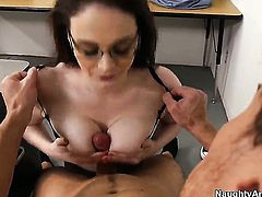 Tessa Lane with round booty gets dicked literally to death by Justin Magnum