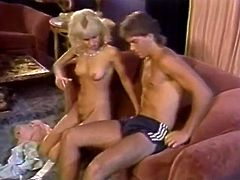 Blond haired hungry bitch sits leg spread on sofa and gets her saggy cooch tenderly licked by fuck thirsting dude. Then he gets nice blowjob in addition. Watch this pussy eating in The Classic Porn sex clip!