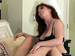 Heather Silk just loves pussy munching and cant say No to lesbian Brittany Oconnell