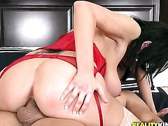 Ramon Nomar makes Mature hoochie Alia Janine gag on his thick pole