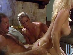 That's a nice and smooth threesome porn with Jill Kelly and Johnni Black! Babes are going to take this dude up to heaven.