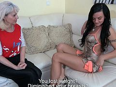 This cutthroat curvy brunette bitch franks with her nanny
