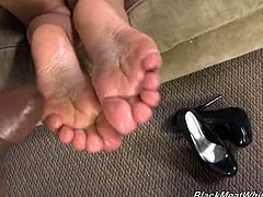 Rico strong gets a footjob from gabriella paltrova