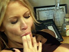 Make sure you have a look at this hardcore scene where the sexy Jessica Drake is nailed by this guy on top of an office desk as you hear her moan.