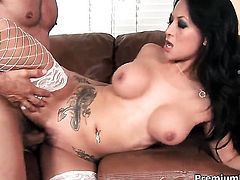 Gianna Lynn makes dudes erect rod disappear in her mouth in sexual ecstasy