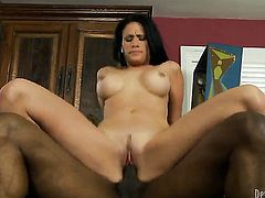 Ashli Ames keeps her mouth wide open while giving throat job to L.T.